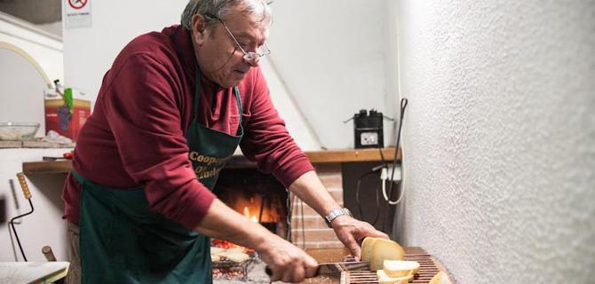 Bruschetta al frantoio- Degustazione Olio Novello per Frantoi Aperti in Umbria